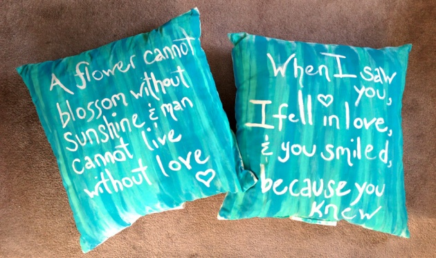 love-saying-pillow-DIY