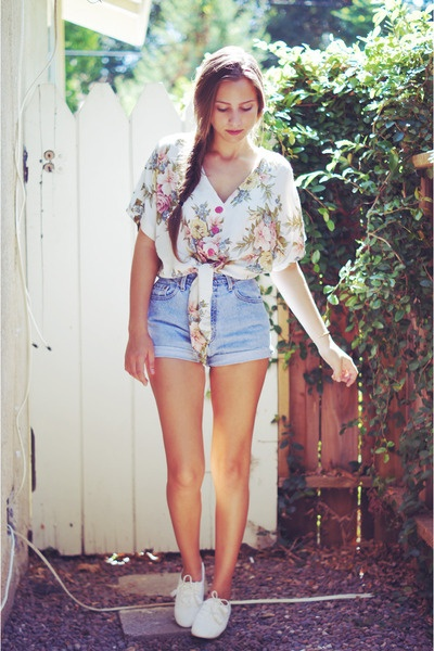 Floral Blouse with High Waisted Shorts