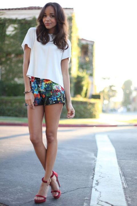 Add a pop of color to your shorts http://ashley-ringmybell.blogspot.com/