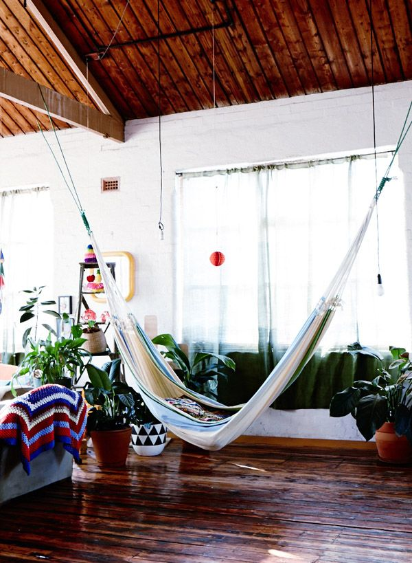 Empty space? Go Hawaiian and make a floating reading nook with a hammock http://thedesignfiles.net/
