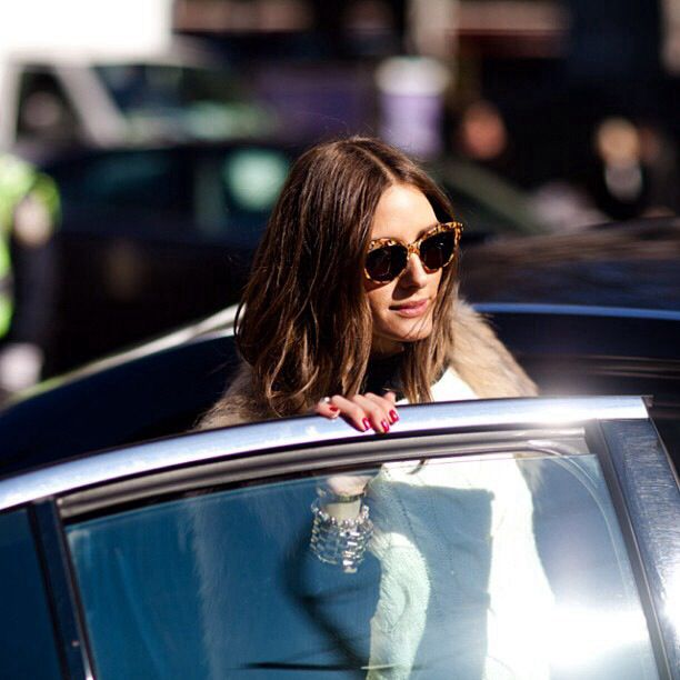 Getting into cars is no biggie when you're wearing tight sunnies